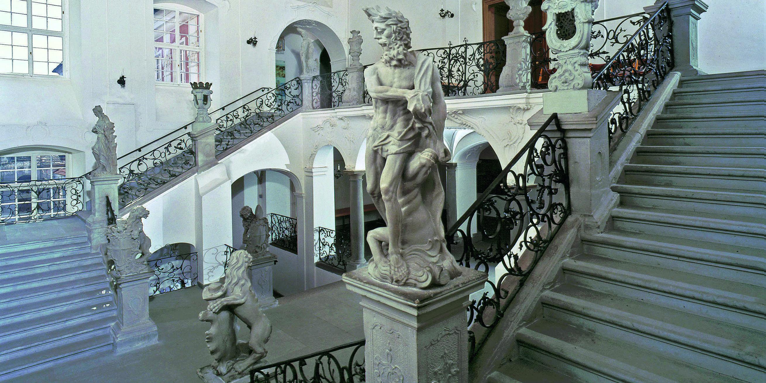 Treppenhaus im Neuen Schloss Meersburg; Foto: Staatliche Schlösser und Gärten Baden-Württemberg, Arnim Weischer