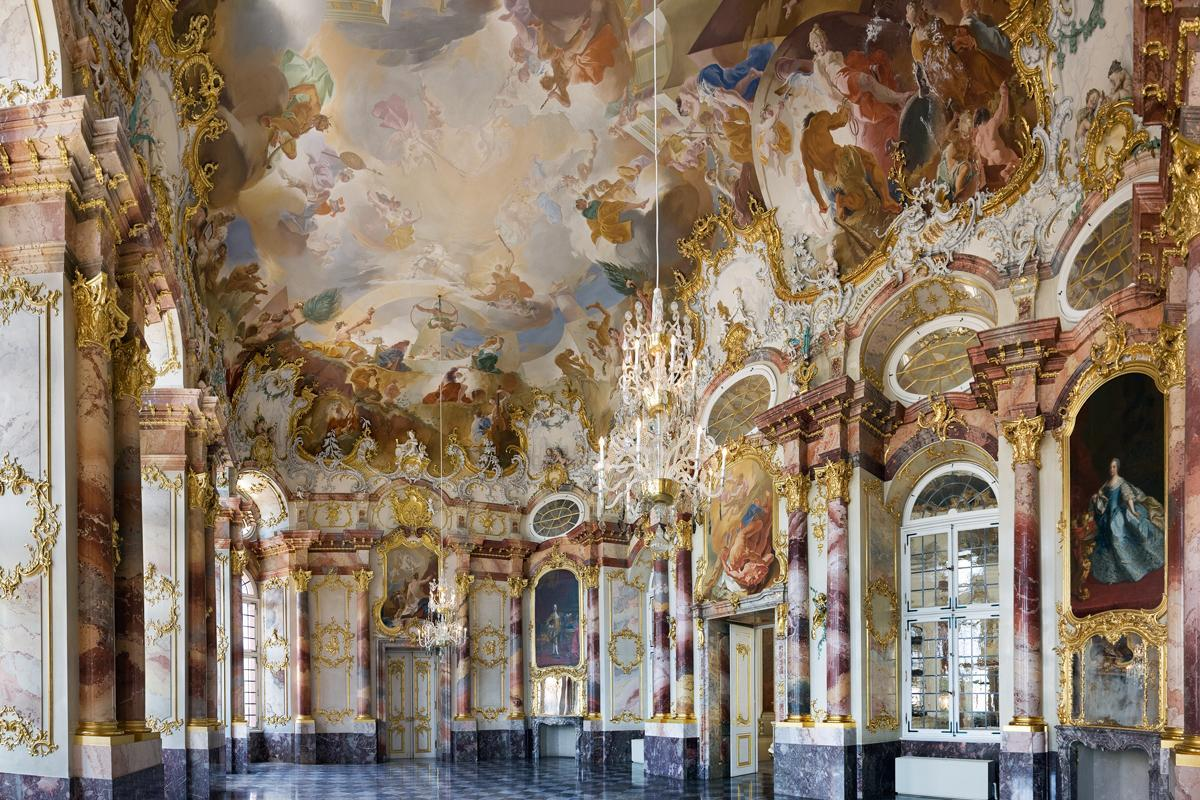 Vue du salon de Marbre du château de Bruchsal; crédit photo: Staatliche Schlösser und Gärten Baden-Württemberg, ChristophHermann