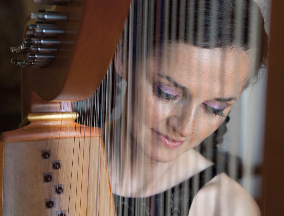 Harfenistin Margret Köll; Foto: A. Linke