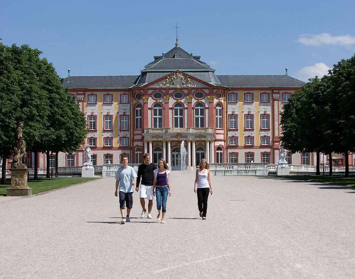 Schloss Bruchsal, Besucher Gartenseite