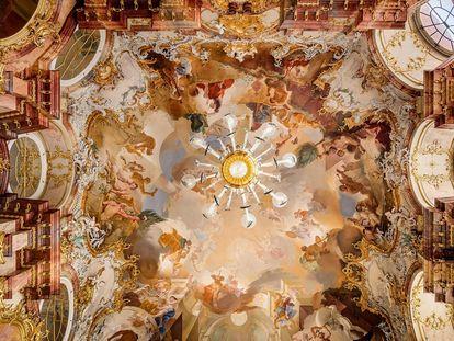13_bruchsal_innen_Hauptbau-Marmorsaal-Gewoelbe_2019-05-06-A-1663-foto_manfred_schneider_1800.jpg