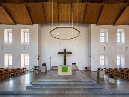 13_bruchsal_innen_Hofkirche_von_norden_2018-08-16-A-9459-foto_manfred_schneider_1800.jpg