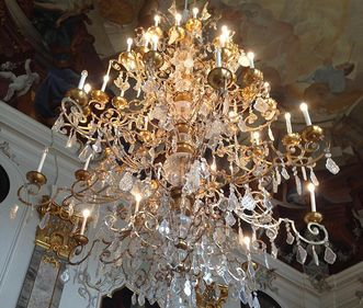 Chandelier in the Royal Hall, Bruchsal Palace. Image: Staatsanzeiger für Baden-Württemberg GmbH & Co. KG, Eva Kobelt