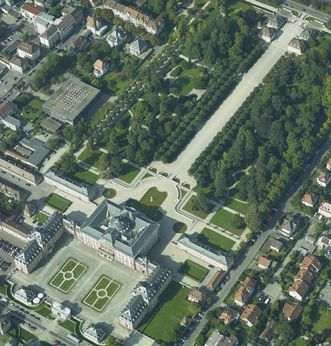 Aerial view of the palace and garden from the east. Image: Landesmedienzentrum Baden-Württemberg, Arnim Weischer