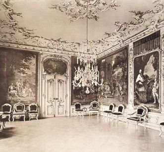 Historical photography of the throne room of Bruchsal Palace, before 1910. Image: Staatliche Schlösser und Gärten Baden-Württemberg, Arnim Weischer