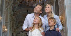 Besucher im Residenzschloss Ludwigbsurg