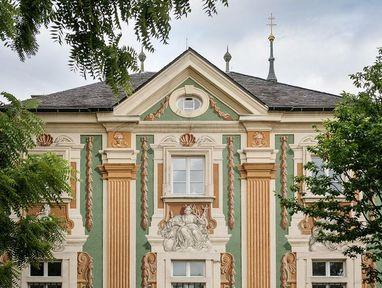 Schloss Bruchsal ist bunt bemalt