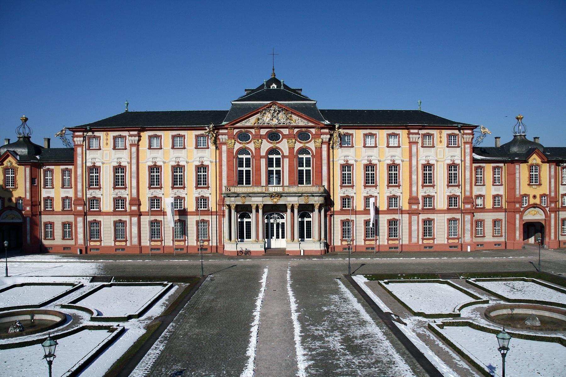 Schloss Bruchsal, Außenansicht im Winter