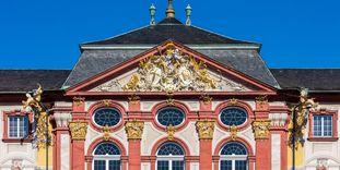 Schloss Bruchsal, Außen, Hauptbau von Osten, Fassade