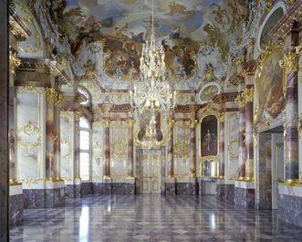 Blick in den Marmorsaal von Schloss Bruchsal