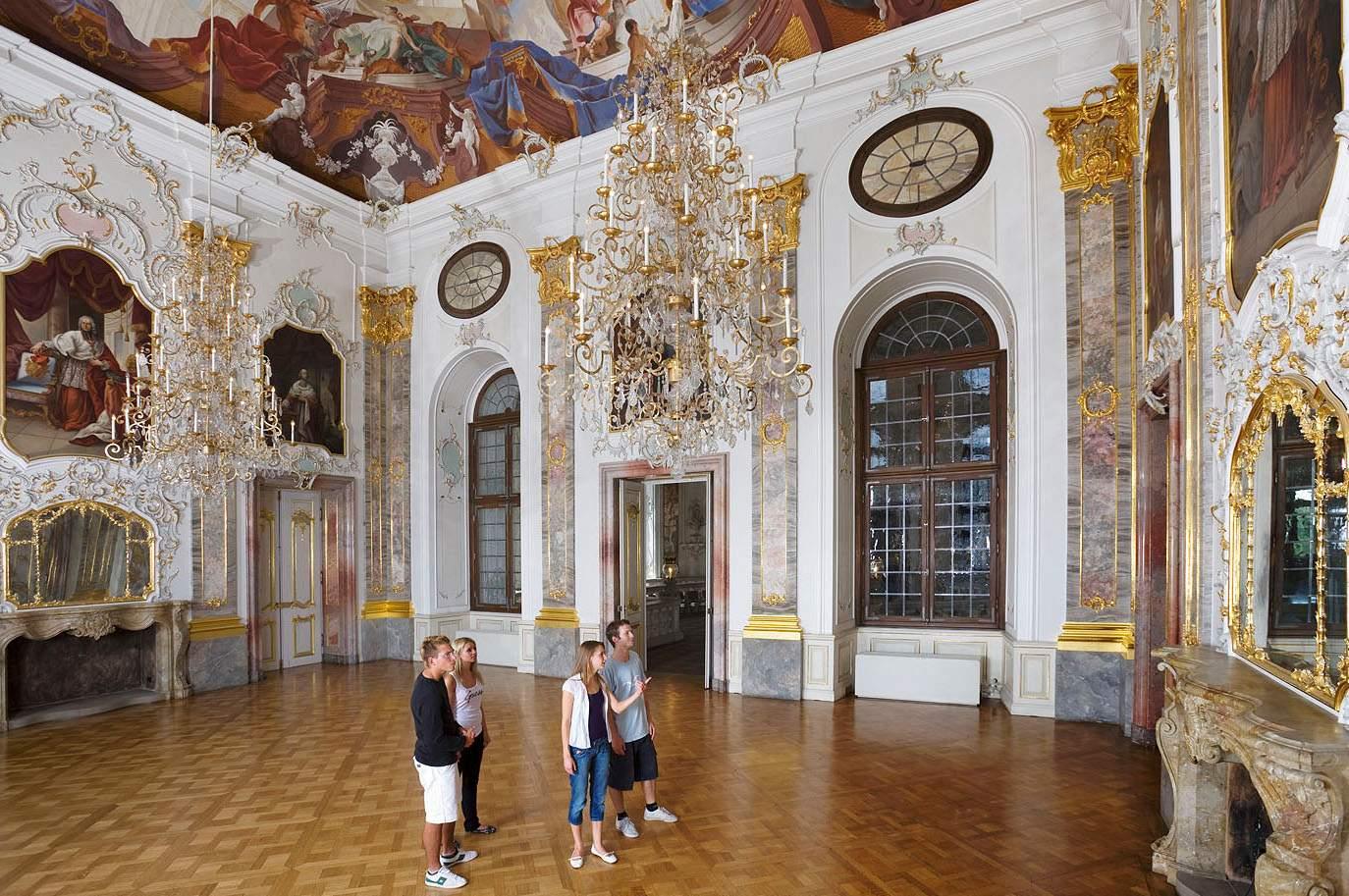 Besucher in Schloss Bruchsal